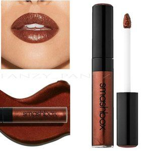 FREE w/$35 purchase SMASHBOX liquid lipstick